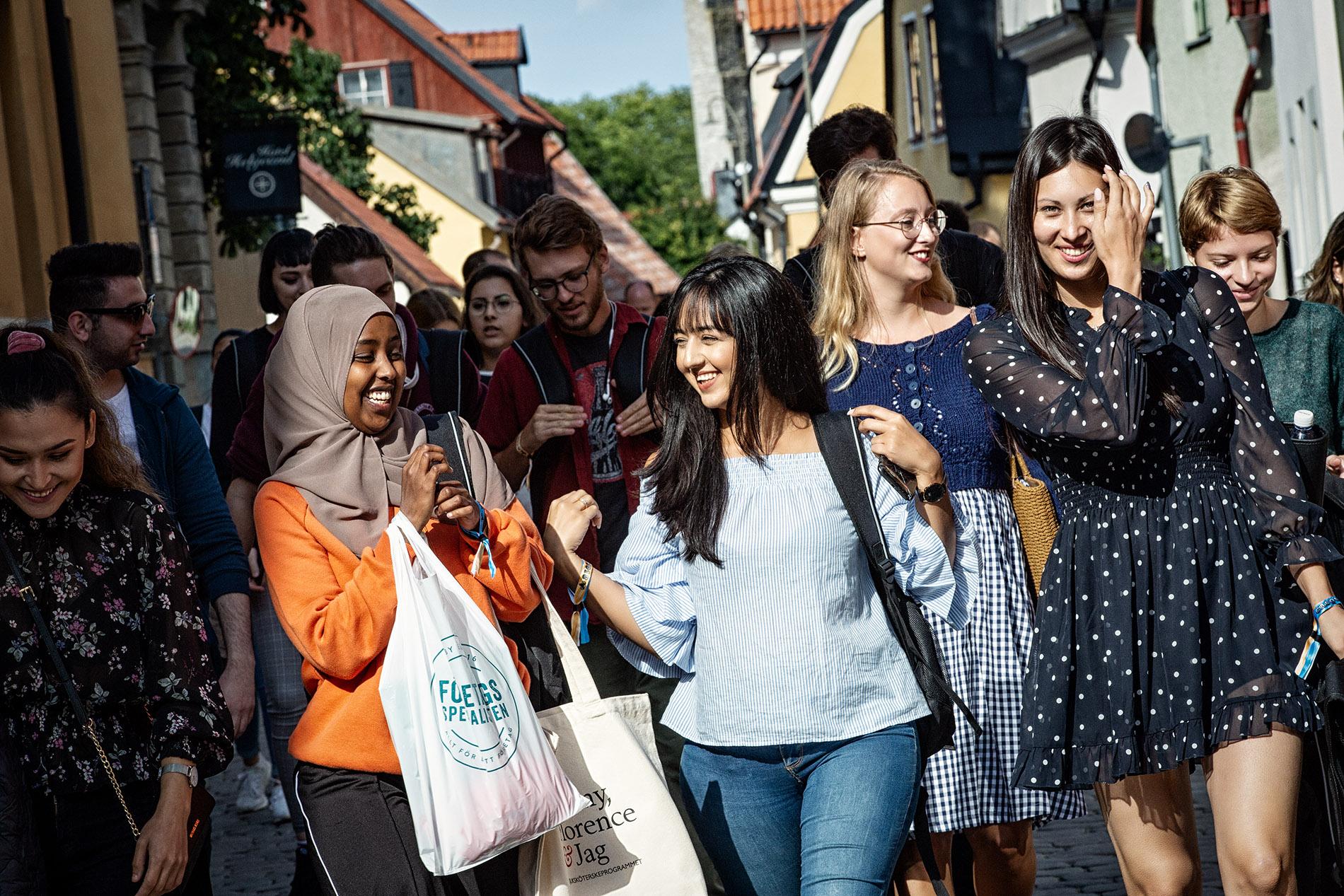 Härlig dag på Campus Gotland. Dom nya studenterna har välkomnats av rektor Eva Åkesson och nu är det dax för mig att börja fotografera. Kul :) Foto Mikael Wallerstedt