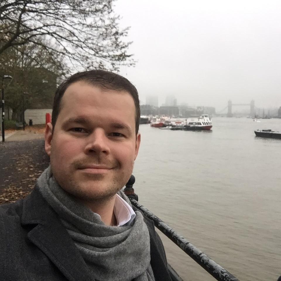 Stefan Finsinger - Blue Bee Gallery - Emerging Artist - Man in front of the Thames London