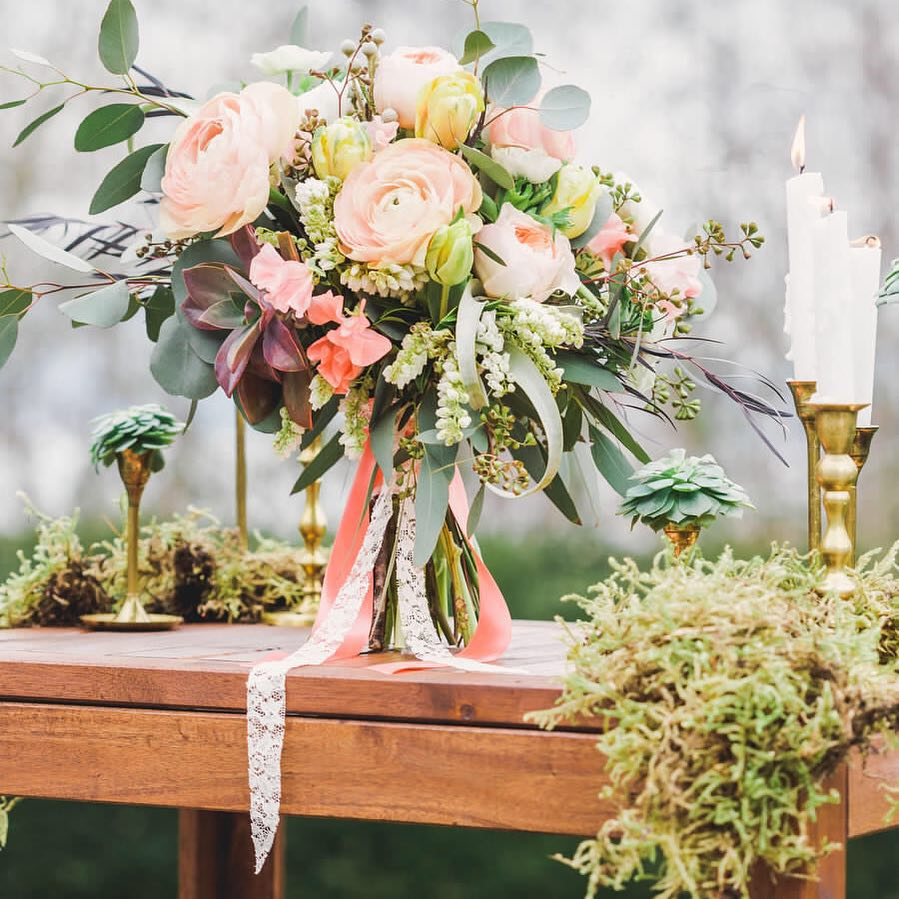 Styled-shoot-rustic-flowers-wedding-recpetion-Vancouver
