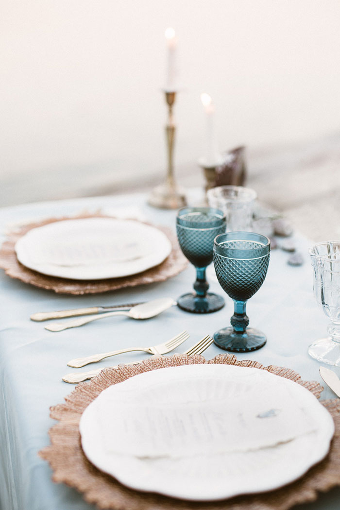 coastal-quartz-gemstone-pastel-coastal-blue-wedding-inspiration17