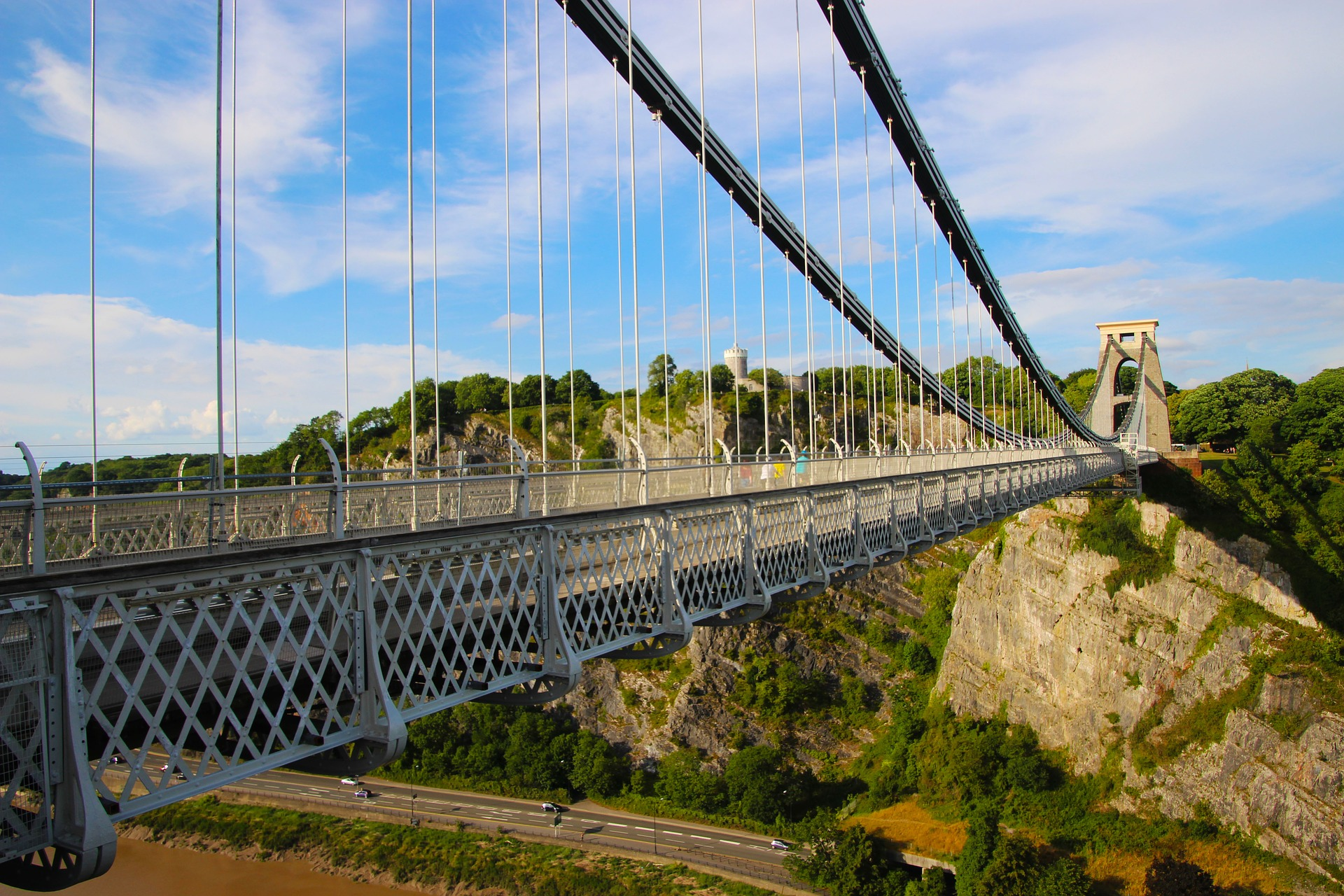 clifton-suspension-bridge-2502001_1920.jpg