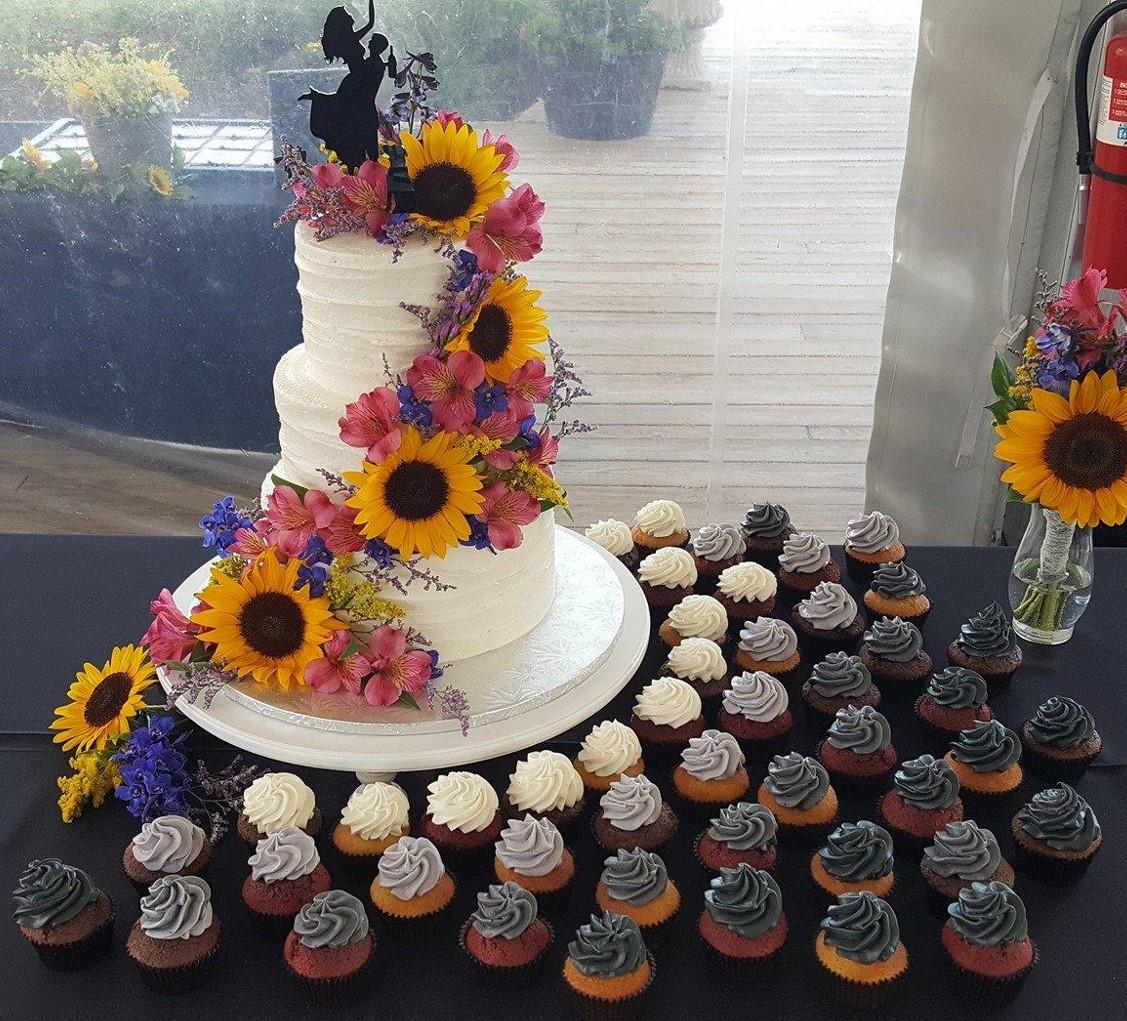 50 shades of cupcakes Wedding Cake