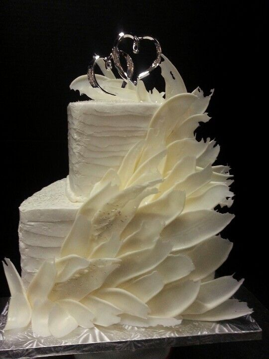 M&M Flutter Wedding Cake