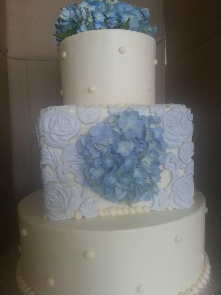Framed hydrangea Wedding Cake