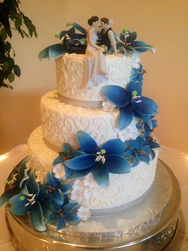 Cascade flower Wedding Cake