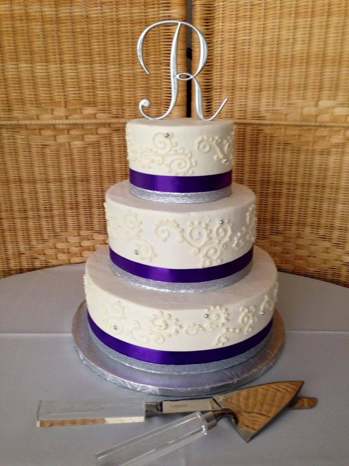 Hand Piped Detail Wedding Cake