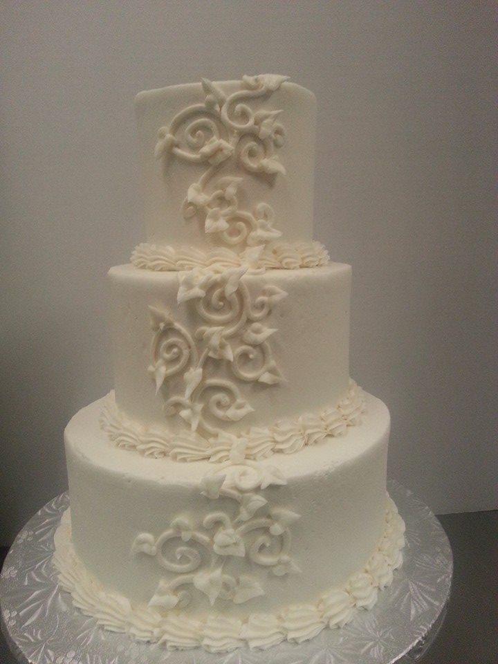 White Vines Wedding Cake