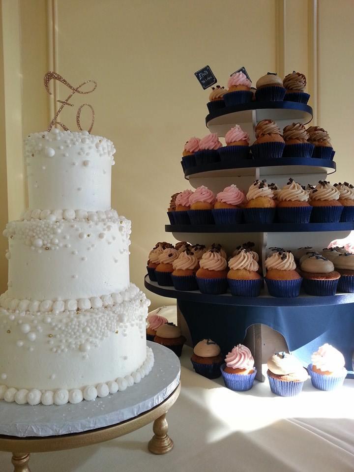 Bubbles & Cupcakes Wedding Display