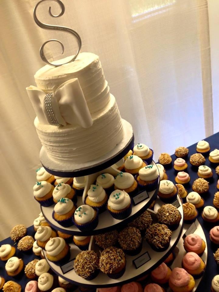 Bows & Cupcakes Display