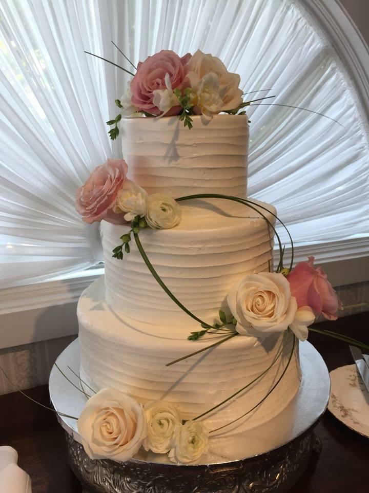 Roses & Greenery Wedding Cake