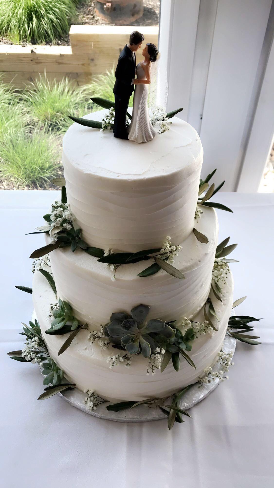 Greenery Wedding Cake