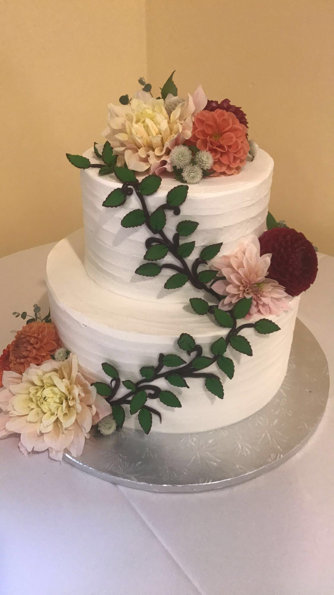 Flowers & Vines Wedding Cake