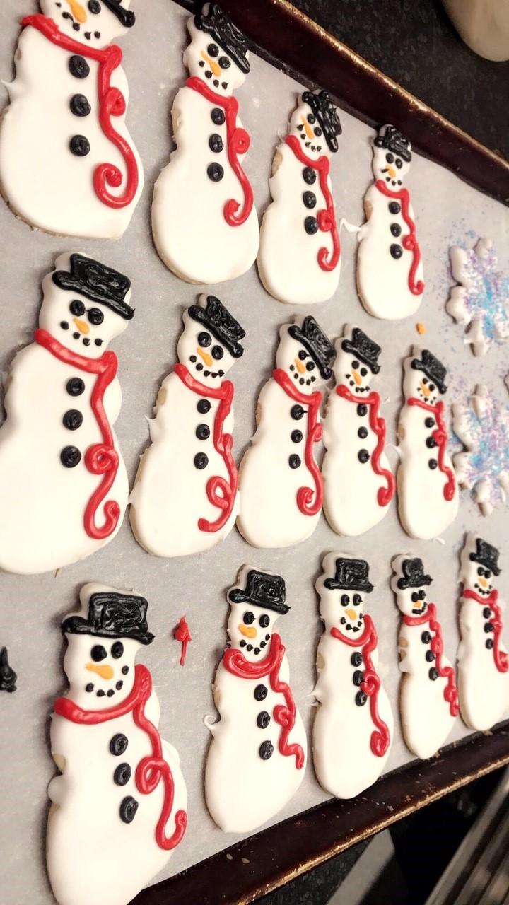snowmen cookies.jpg
