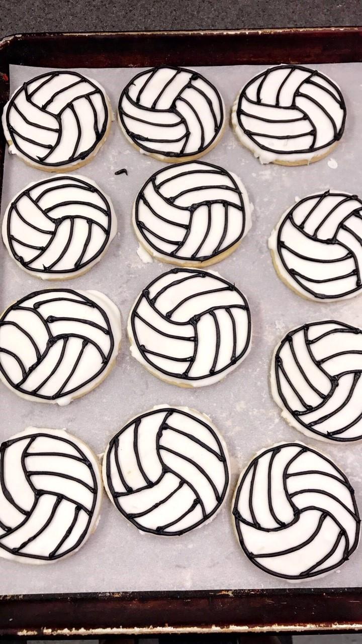 vollyball cookies.jpg