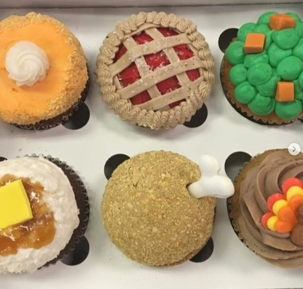 Cupcakes thanksgiving.JPG
