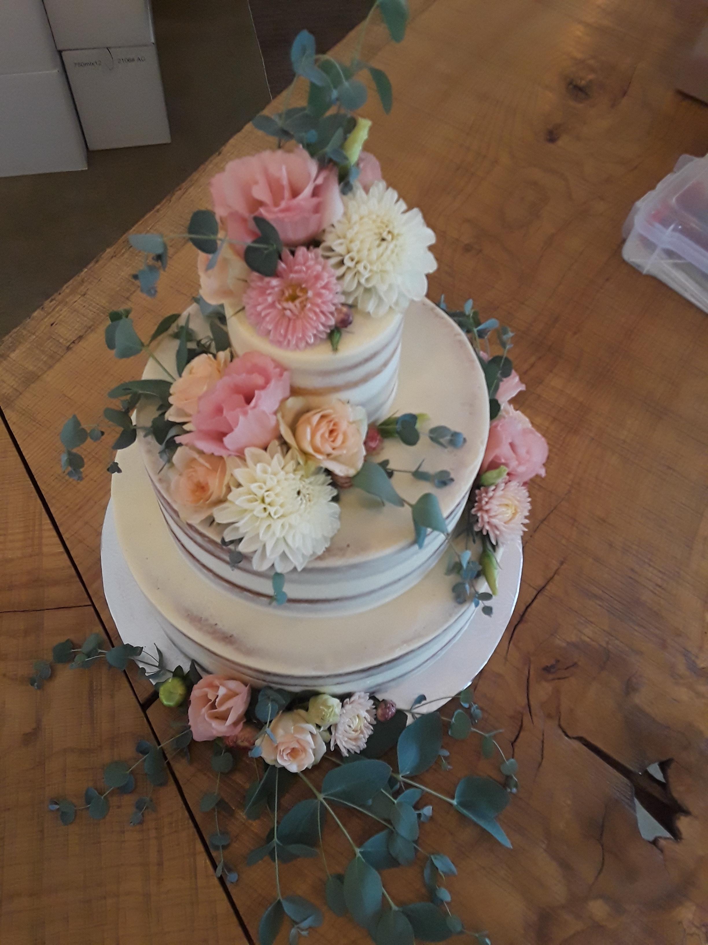 Naked Wedding Cake w/ fresh flowers