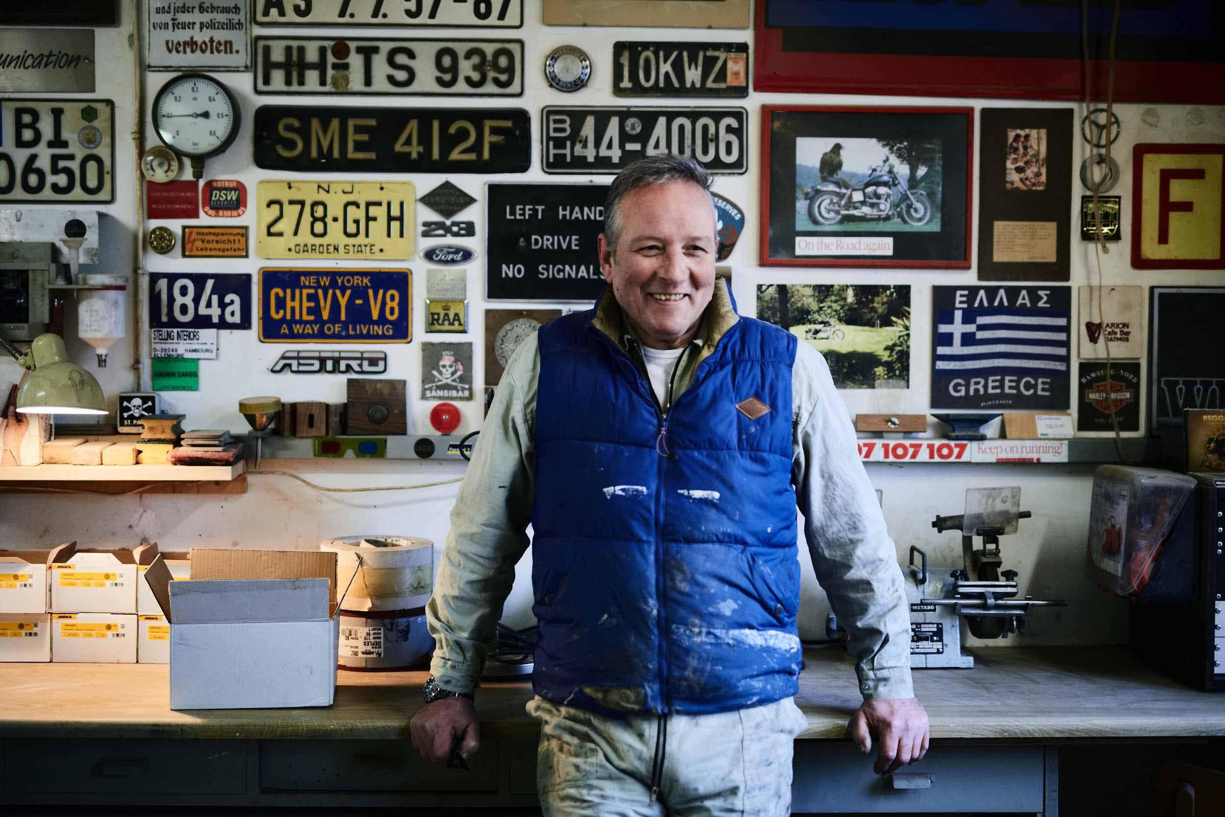DAS BIN ICH - Andreas Stelling, geboren in Hamburg, Europäer und krasser Hanseat. Ehemann und Vater.Seit 1983 selbständig tätig im Möbelbau. Face to face und ehrliche Handarbeit, das ist mein Credo.