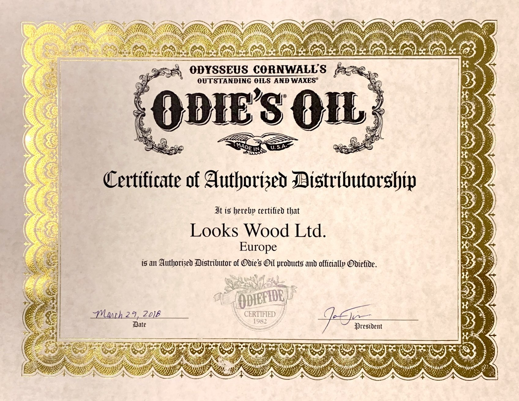 Looks+Wood+Authorized+Dealer+Certificate+2019.jpg