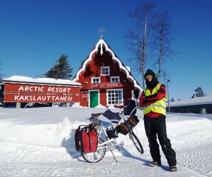 Weihnachtsmann gefunden: Tim Moore in Finnland.