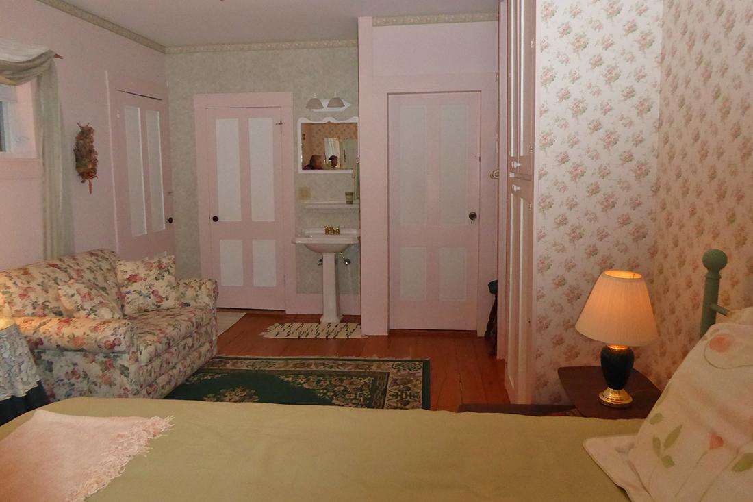 The Rose Garden Room