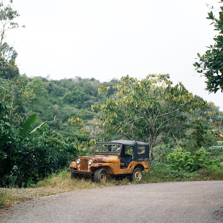 22-old-jeep-yashica124g.jpg