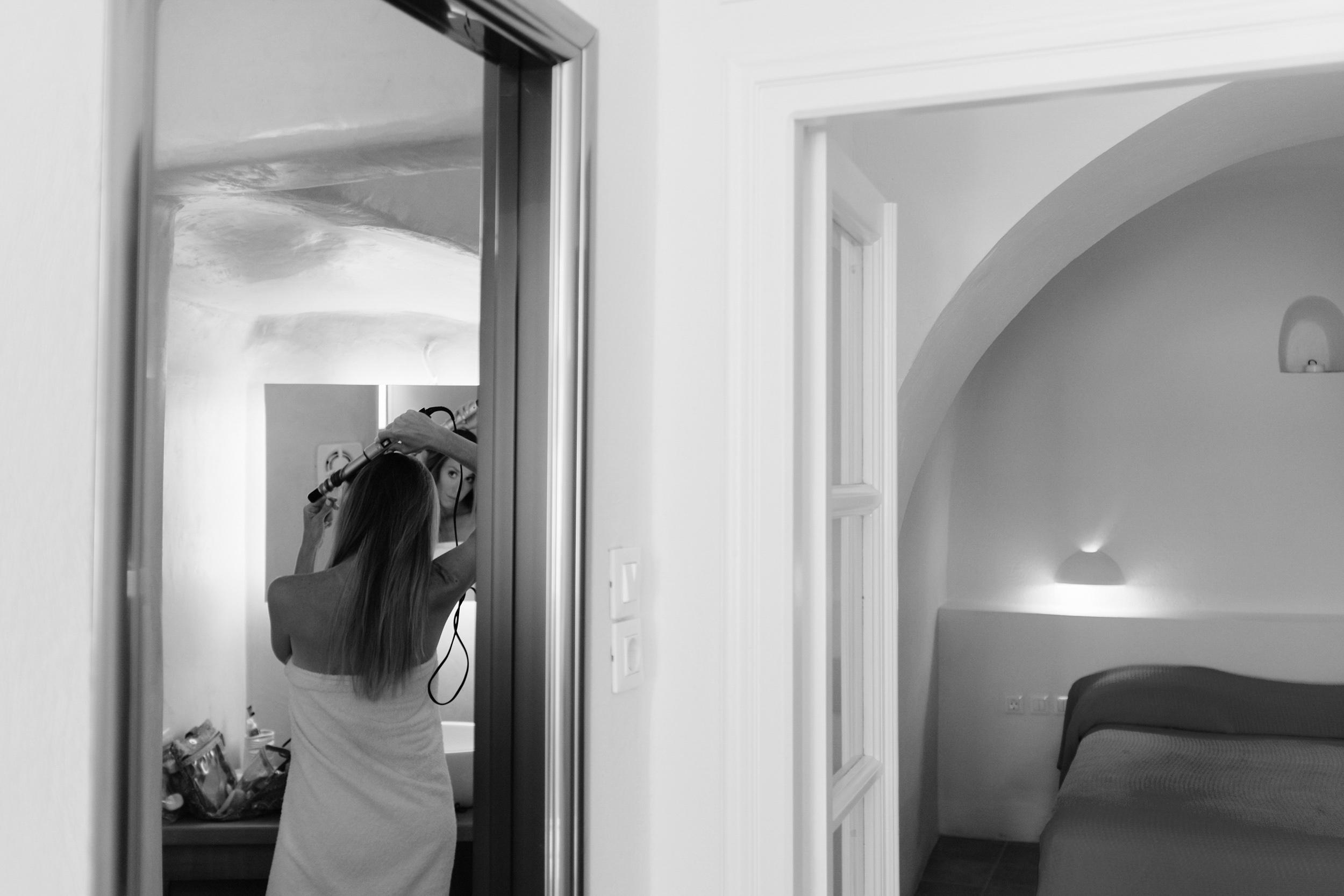 Santorini_Wedding_RemezzoVillas_009.jpg