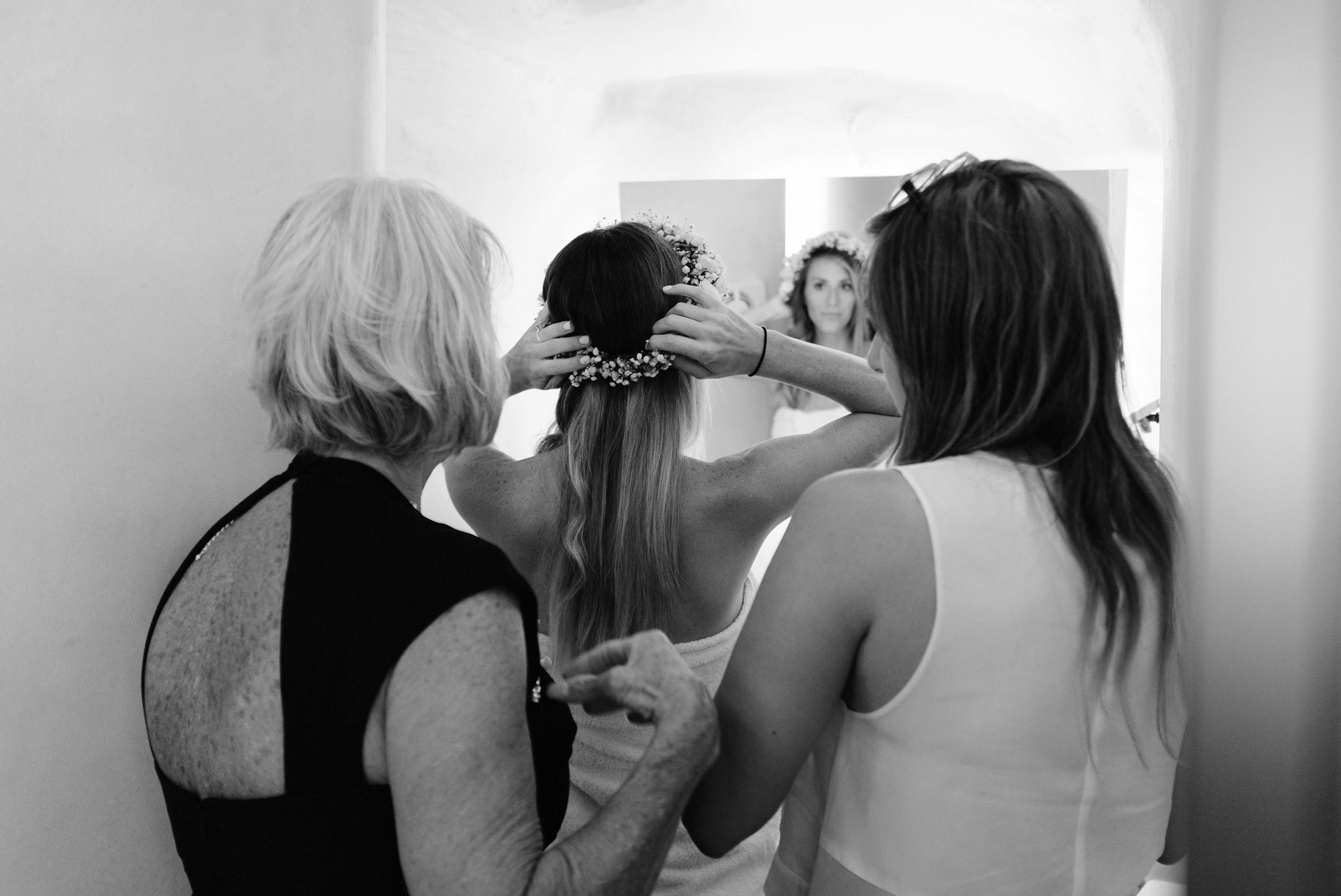 Santorini_Wedding_RemezzoVillas_015.jpg