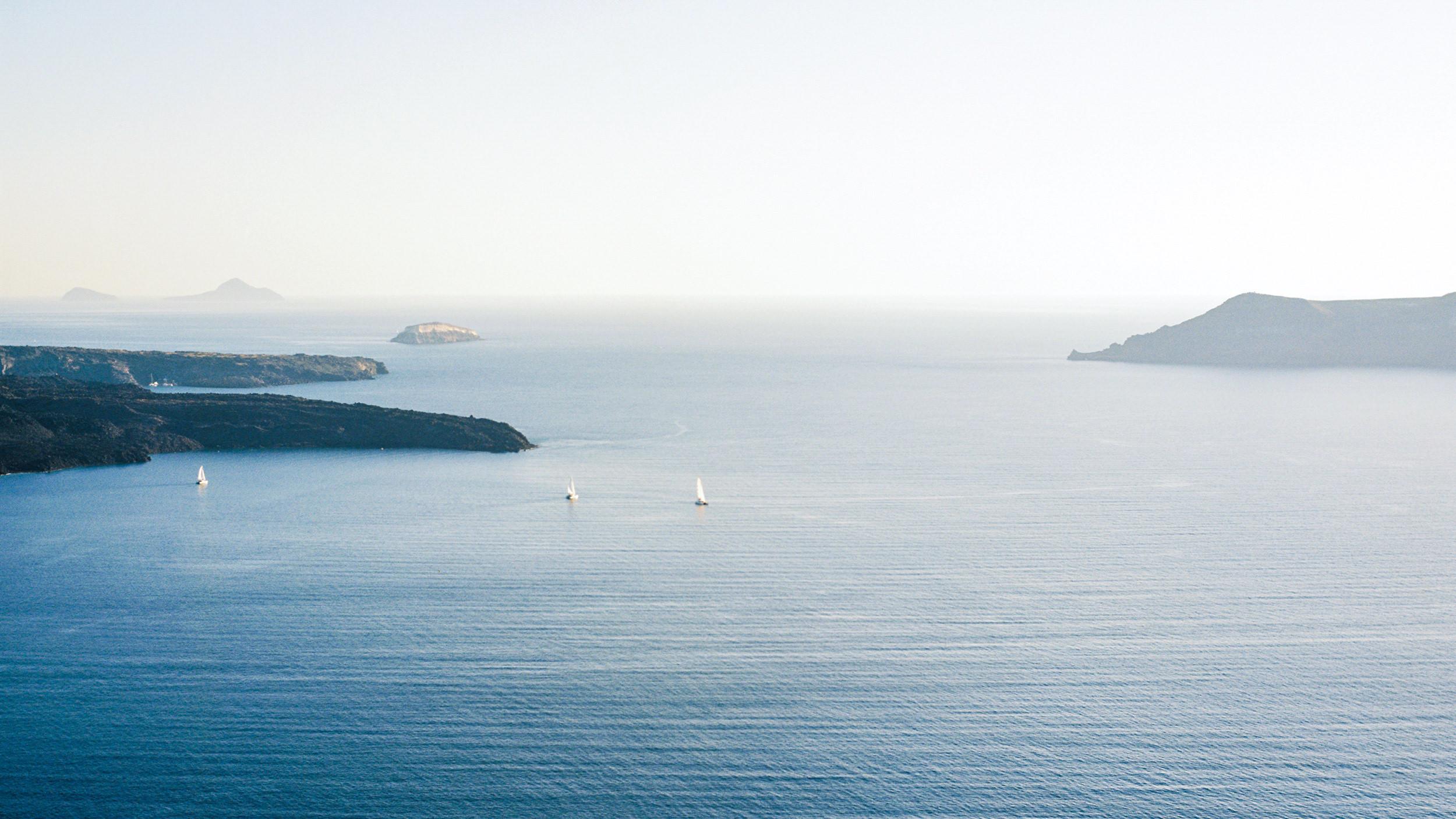 Santorini_Wedding_RemezzoVillas_024.jpg