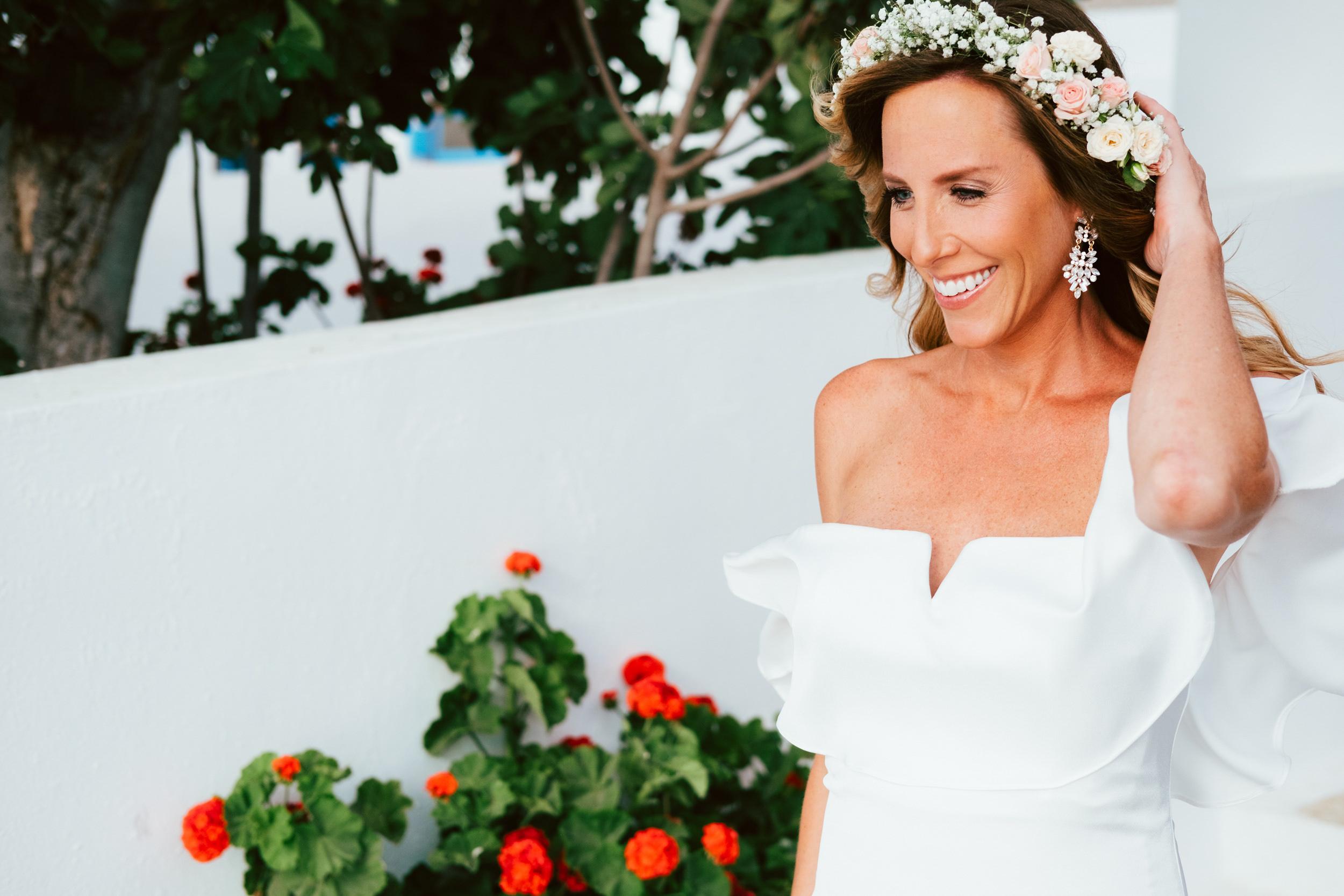 Santorini_Wedding_RemezzoVillas_030.jpg