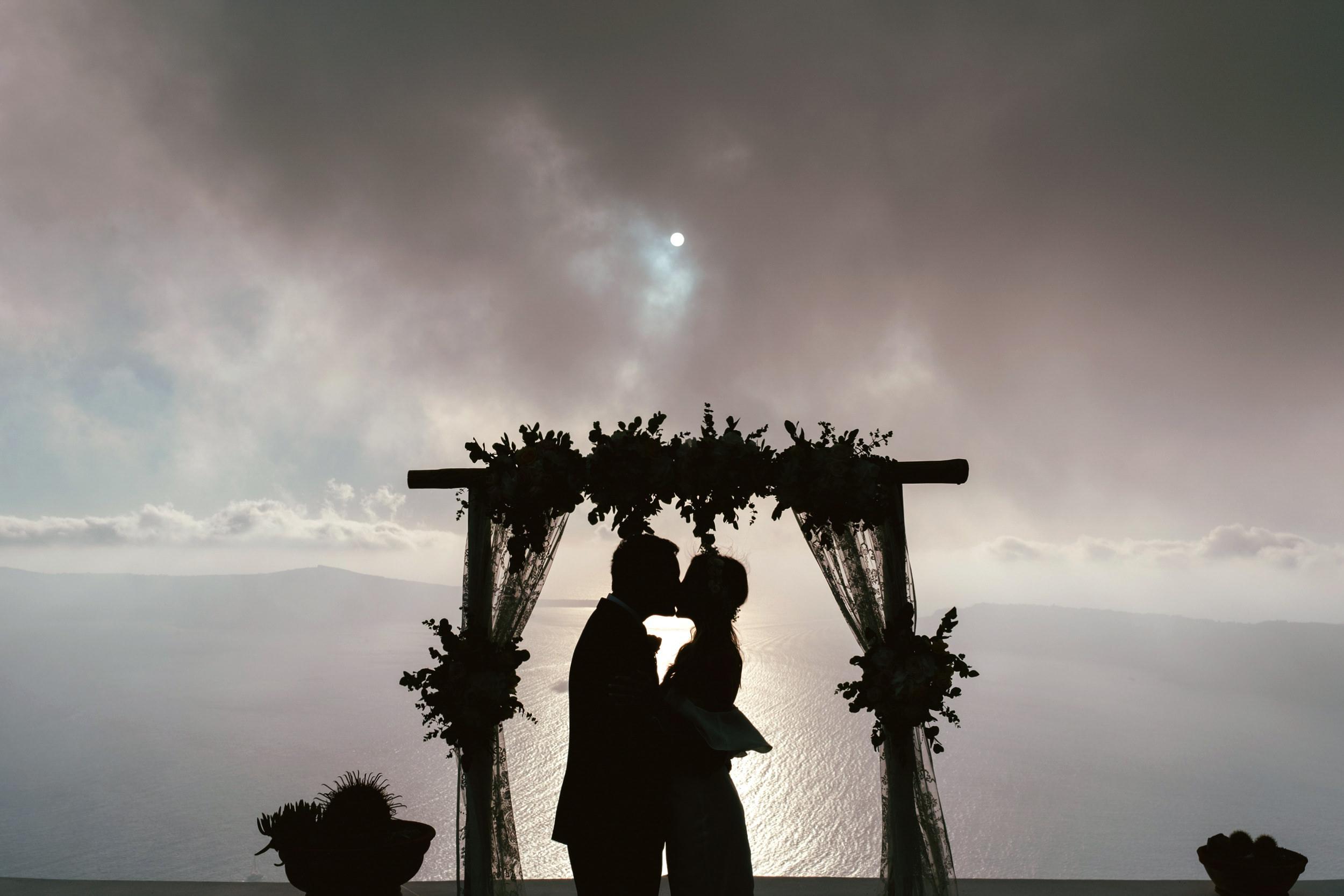 Santorini_Wedding_RemezzoVillas_056.jpg