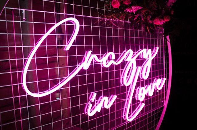 Crazy in Love 😍 love this sign thank you to @jollyboysdjs for providing this for our open evening @thebarnatbrookendgreenfarm • • • #barns #barnweddings #barnweddingvenue #rusticbarn #rusticvenue #festivalweddings #festivalbrides #bedfordshirewedding #hertfordshirewedding #thebarnatbrookendgreenfarm