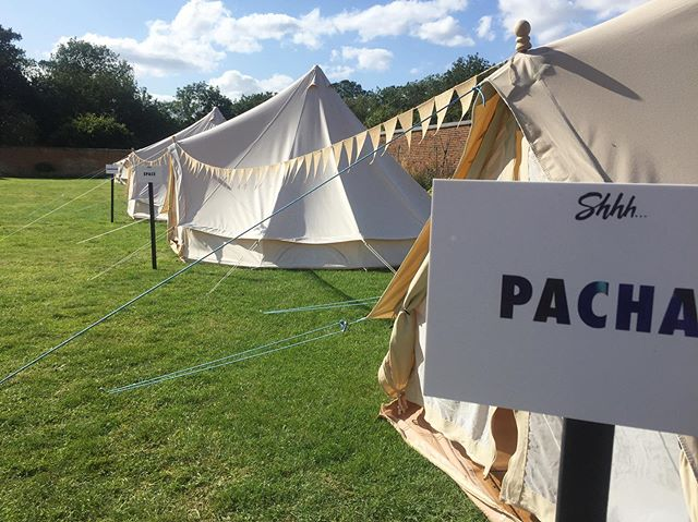 Getting married? Fancy a bell tent sleep over after your wedding 😀 We did our first Boutique Festival at the weekend and our guests glamped in these beauties provided by @under.the.canvas @shhhclub_ • • • #festivalwedding #festivalbride #barnwedding #barnvenue #barnweddingvenue #rusticbarn #rusticbarnwedding #bedfordshirewedding #bedfordshireweddings #bedfordshireweddingvenue