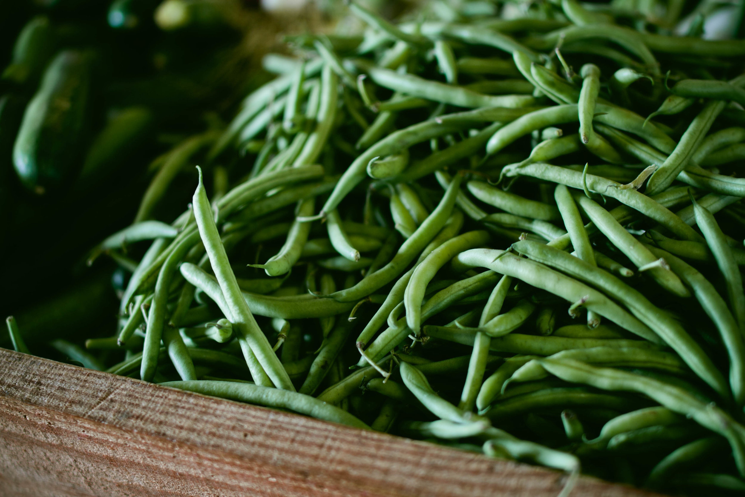 Green beans - Green beans are a great source of protein, fiber and folate, Vitamin A, Vitamin C, as well as potassium, iron, and zinc. Green beans have no cholesterol.