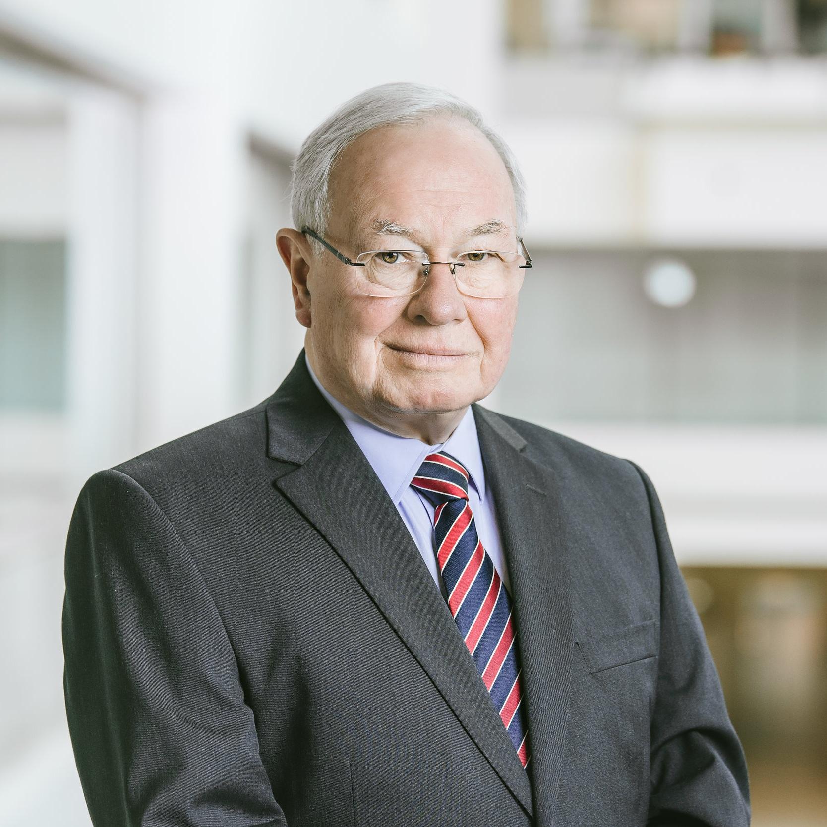 Bruce-Lander-Commissioner-ICAC-SA.jpg