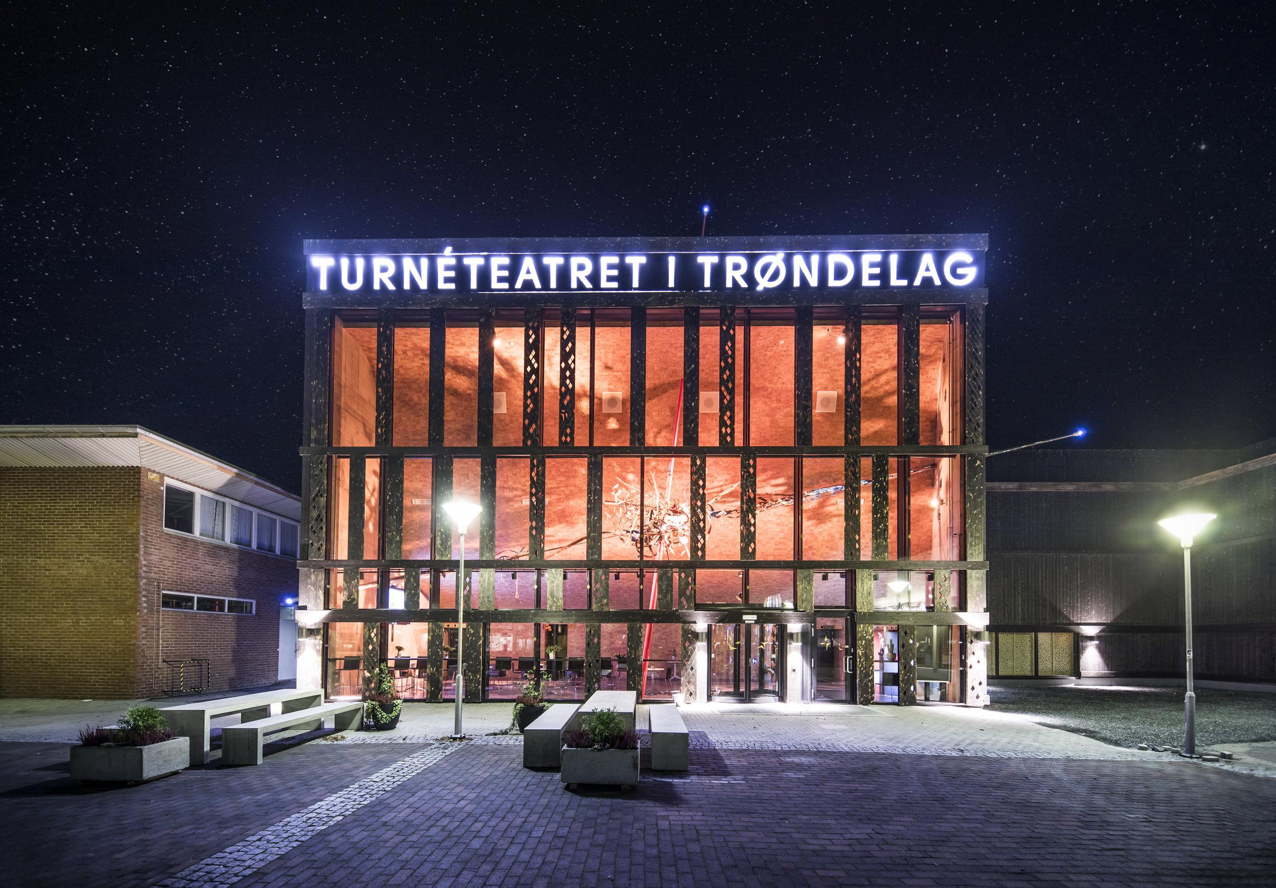 GerhardsenKarlsen_Turneteatret_003.JPG