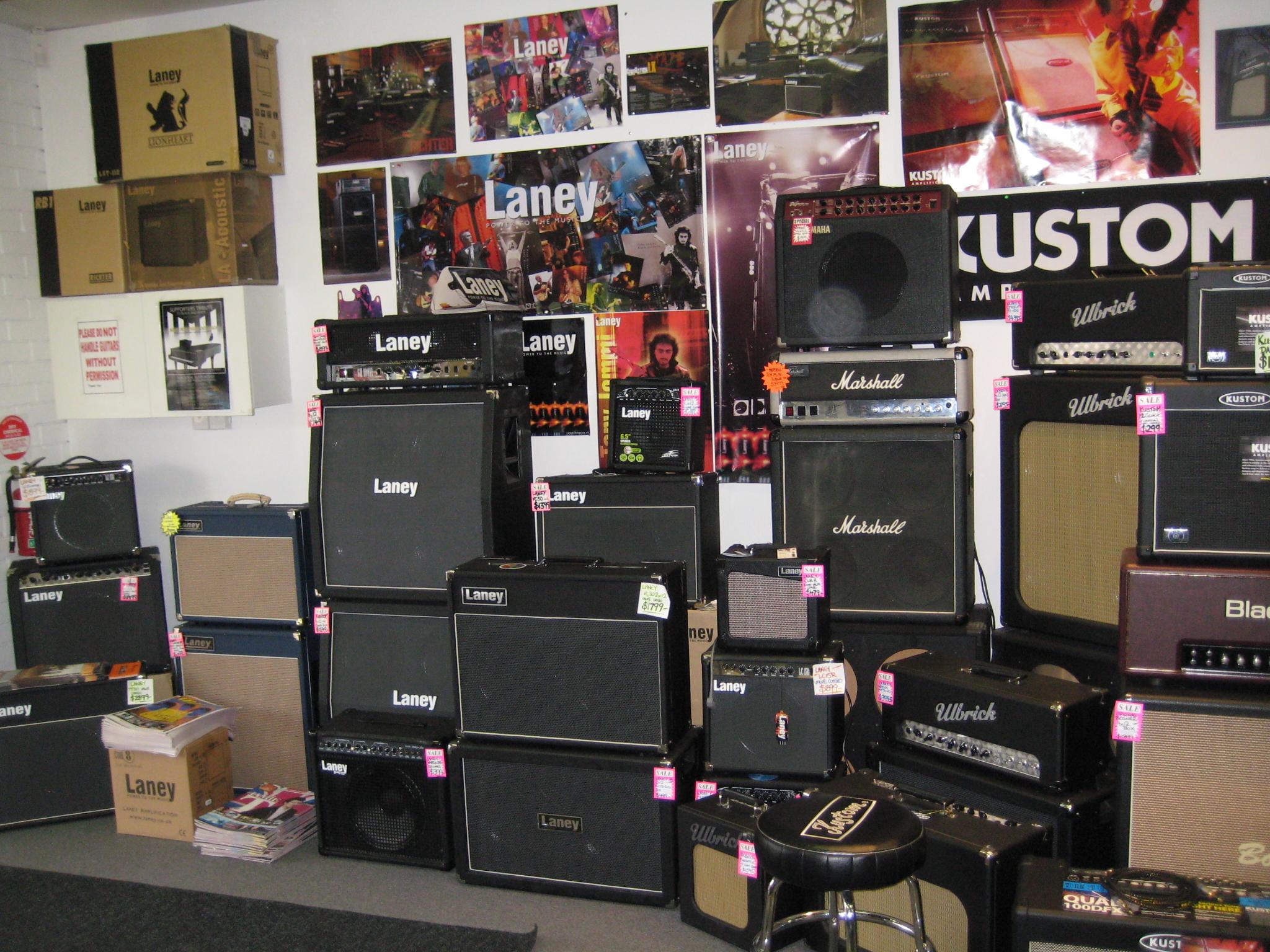 retro amp wall.jpg