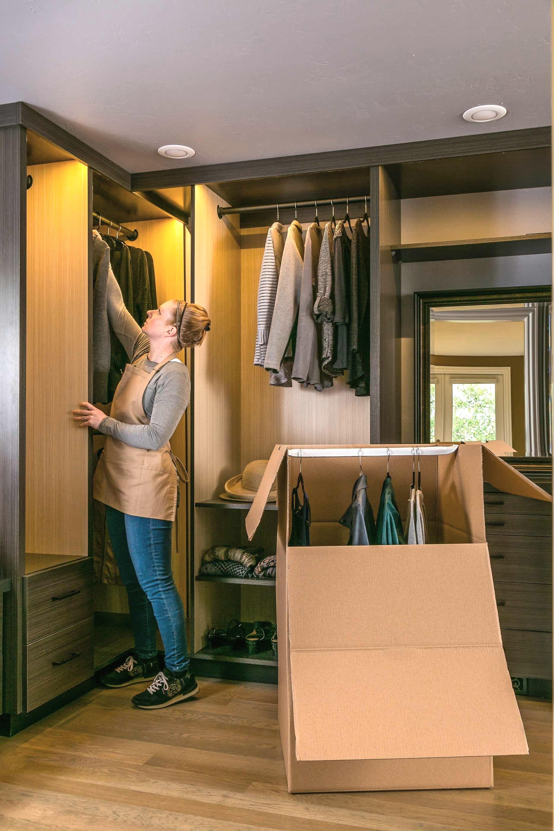 Organizing+Closet.jpg