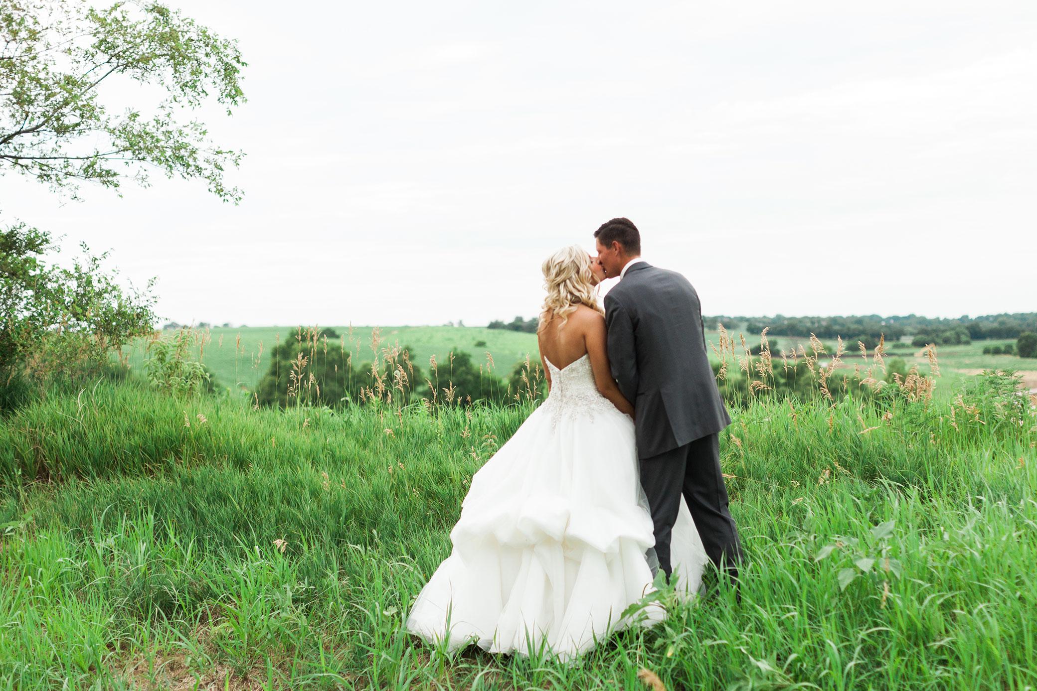 Indian_Creek_Country_Club_Omaha_Wedding_Danielle_Paul-314.jpg