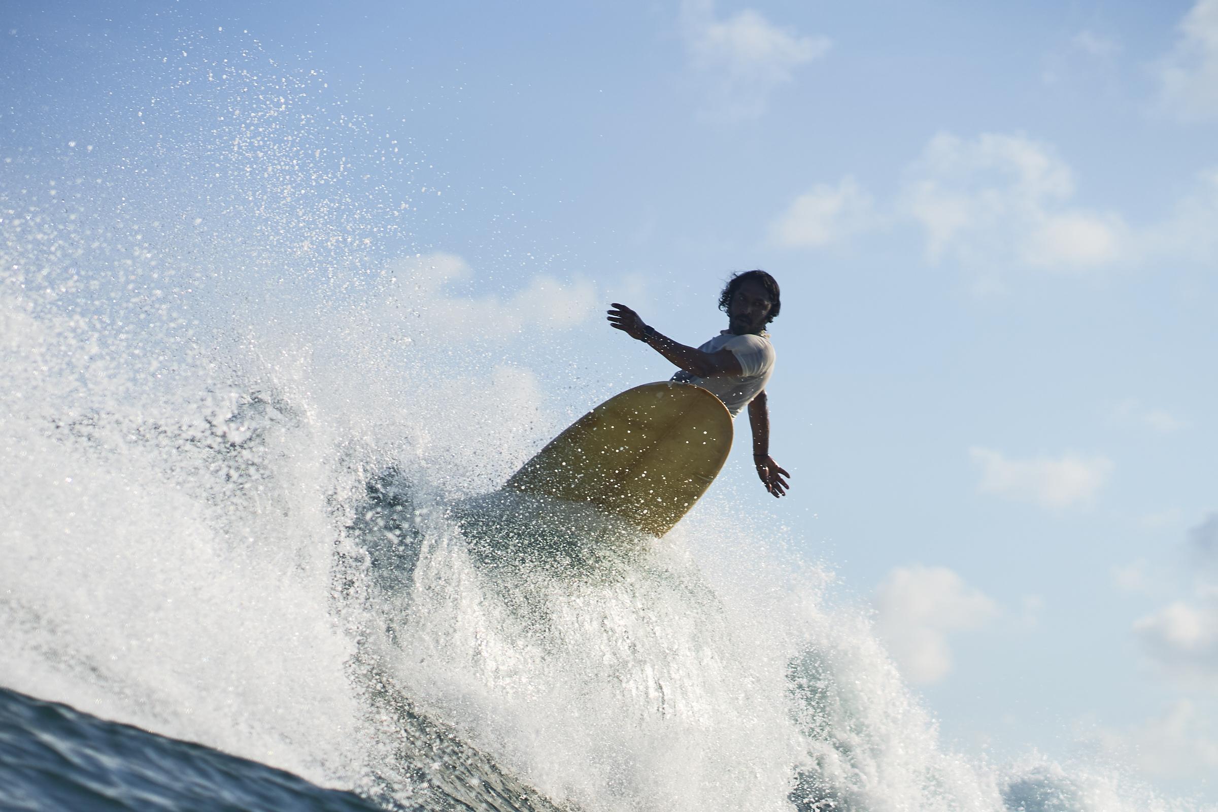 sri lanka surfing spots