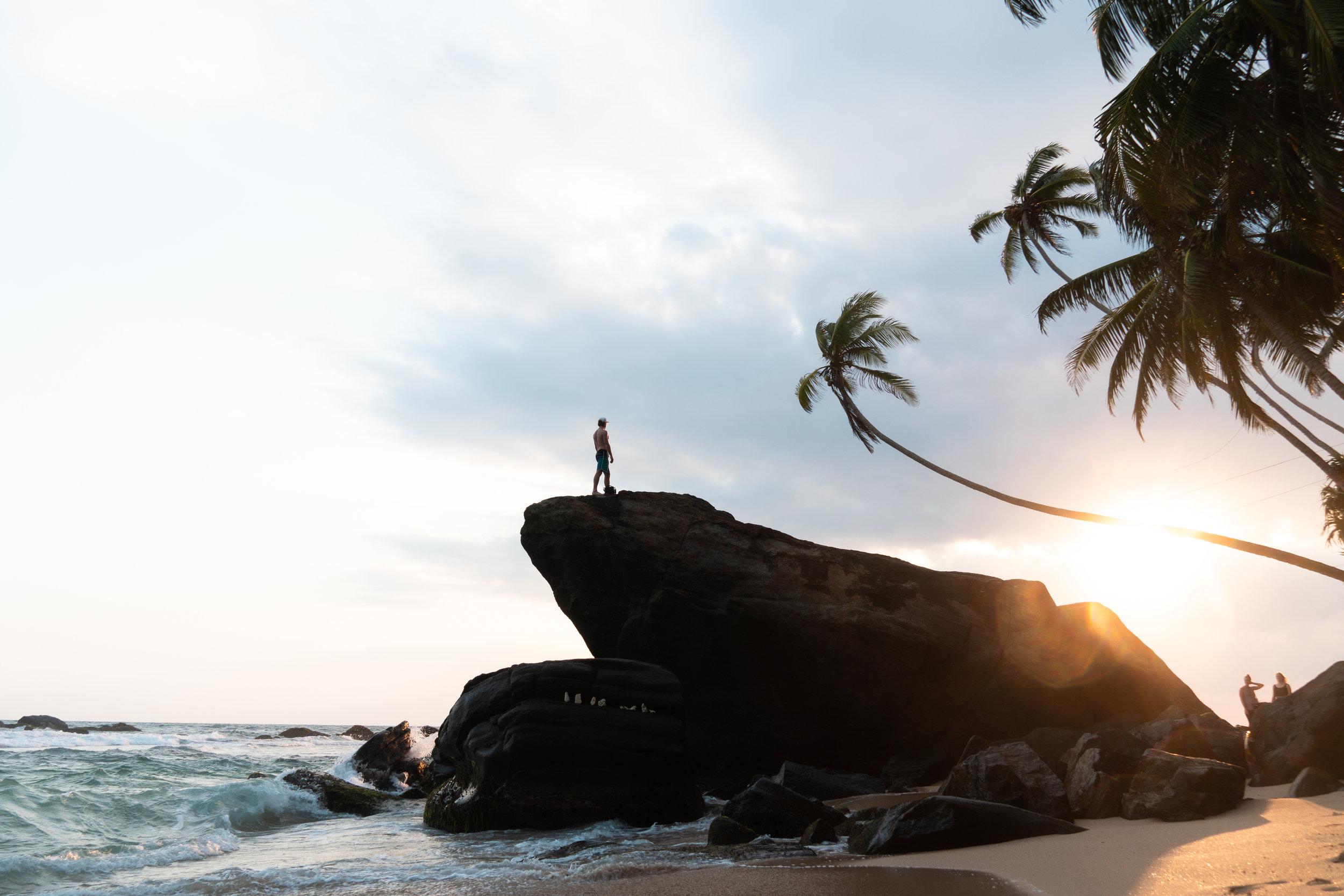 Dalawella Beach Unawatuna. Layback Surf Retreat Weligama Sri Lanka. Surf school. Surf lessons. Private rooms & Dorms. Surf camp. Boutique Hotel, Hostel.