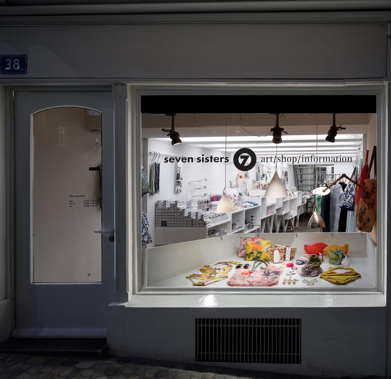 Sevensisters_spalenberg_laden_shop_gescha%CC%88nck_designer_design_basel_.jpg