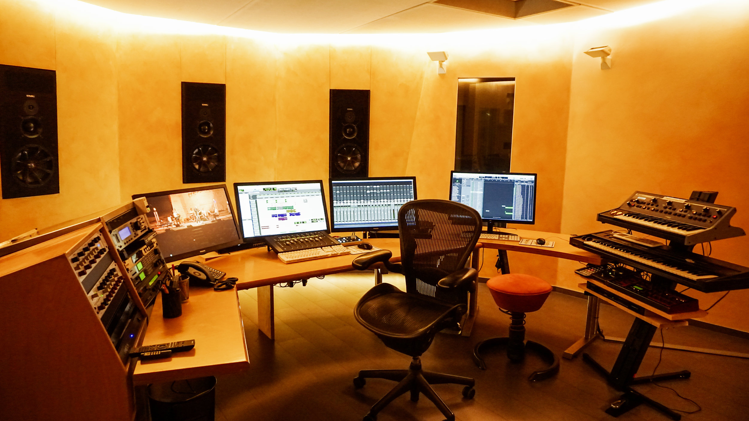 Studio_B_1.jpg