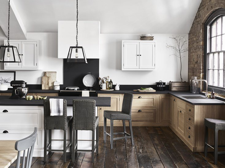 Henley Kitchen   A vision in oak. The Henley began as an all-drawer concept. Neptune wanted it to appear simple but think smart. Until very recently, the solid oak Henley kitchen occupied the realm of traditional country kitchen. Neptune looked at what worked and what didn't and now, Henley translates at each end of the style spectrum, from classic to contemporary and everything in-between.