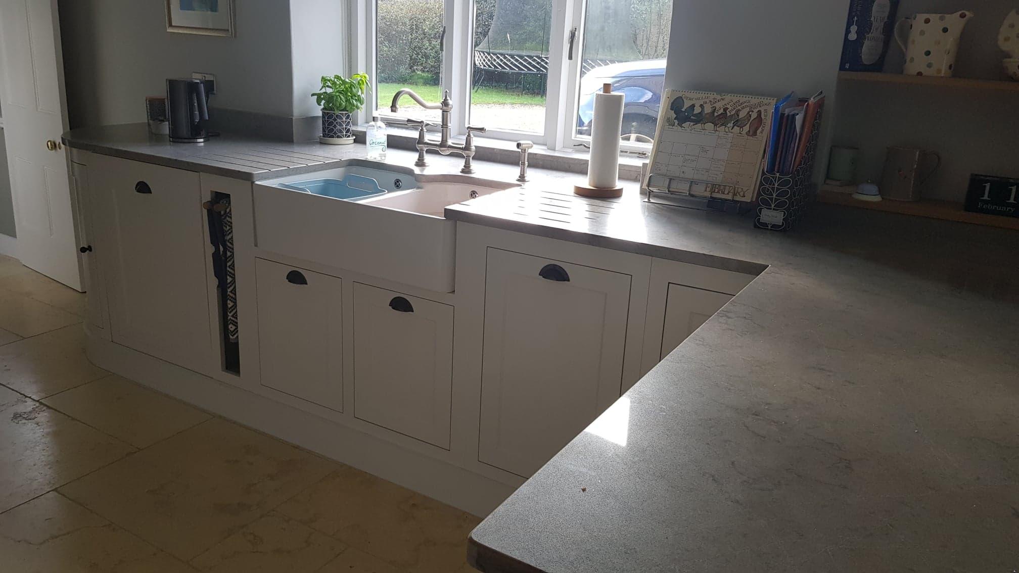 Henley painted kitchen by Robert James Interiors (2).jpg