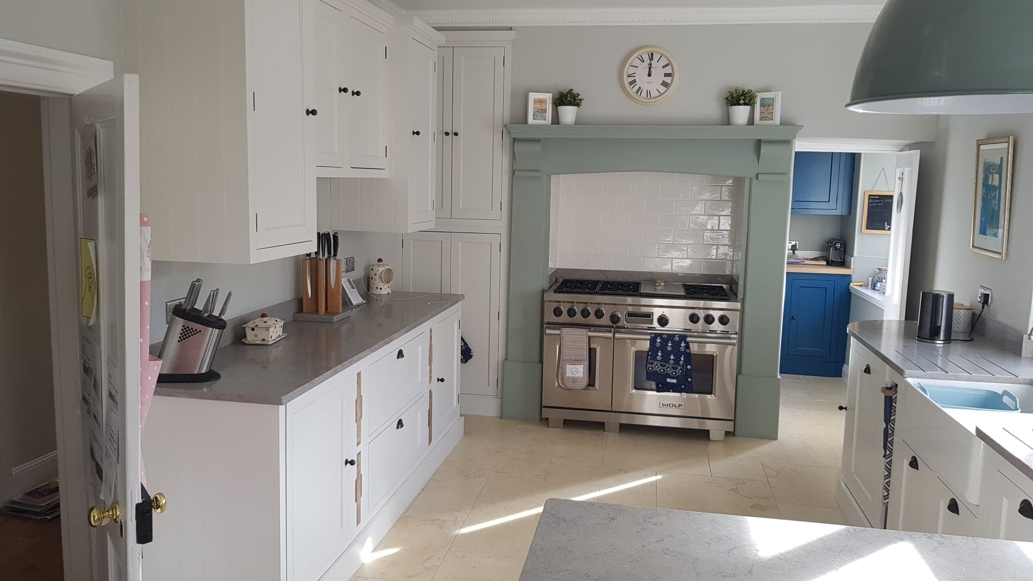 Henley painted kitchen by Robert James Interiors (5).jpg