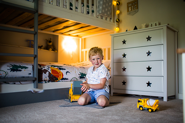 children photographers exeter devon sweet natural at home family photography