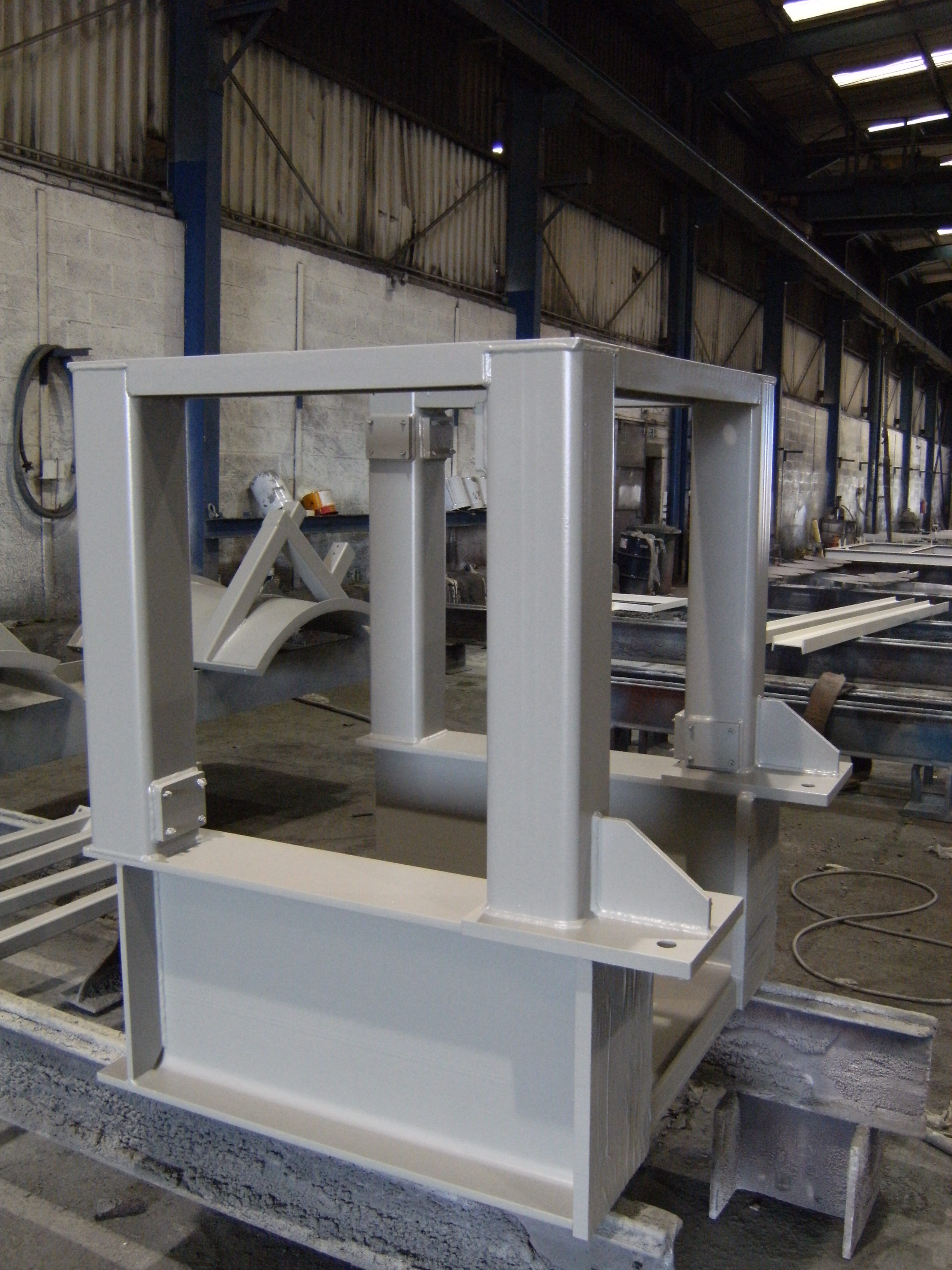 Pump and motor stand.jpg
