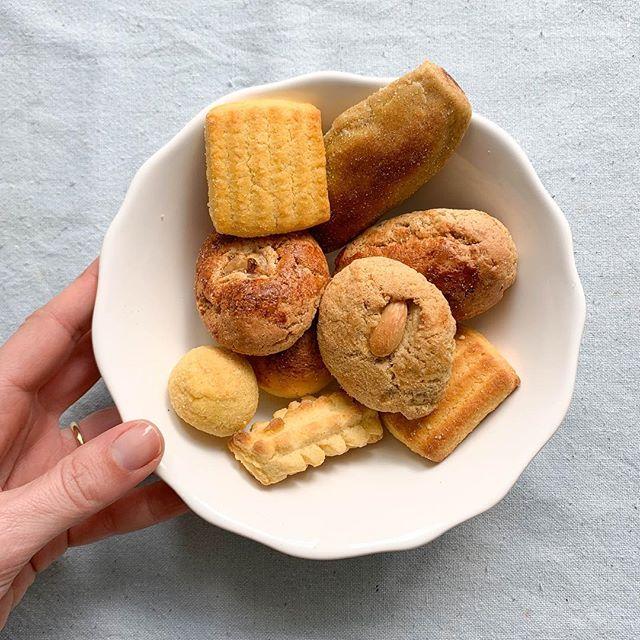 O difícil é escolher!  Descubra as 10 variedades em biscoitosdesintra.pt . . #BiscoitosdeSintra #feitosàmão #feitoscomgosto