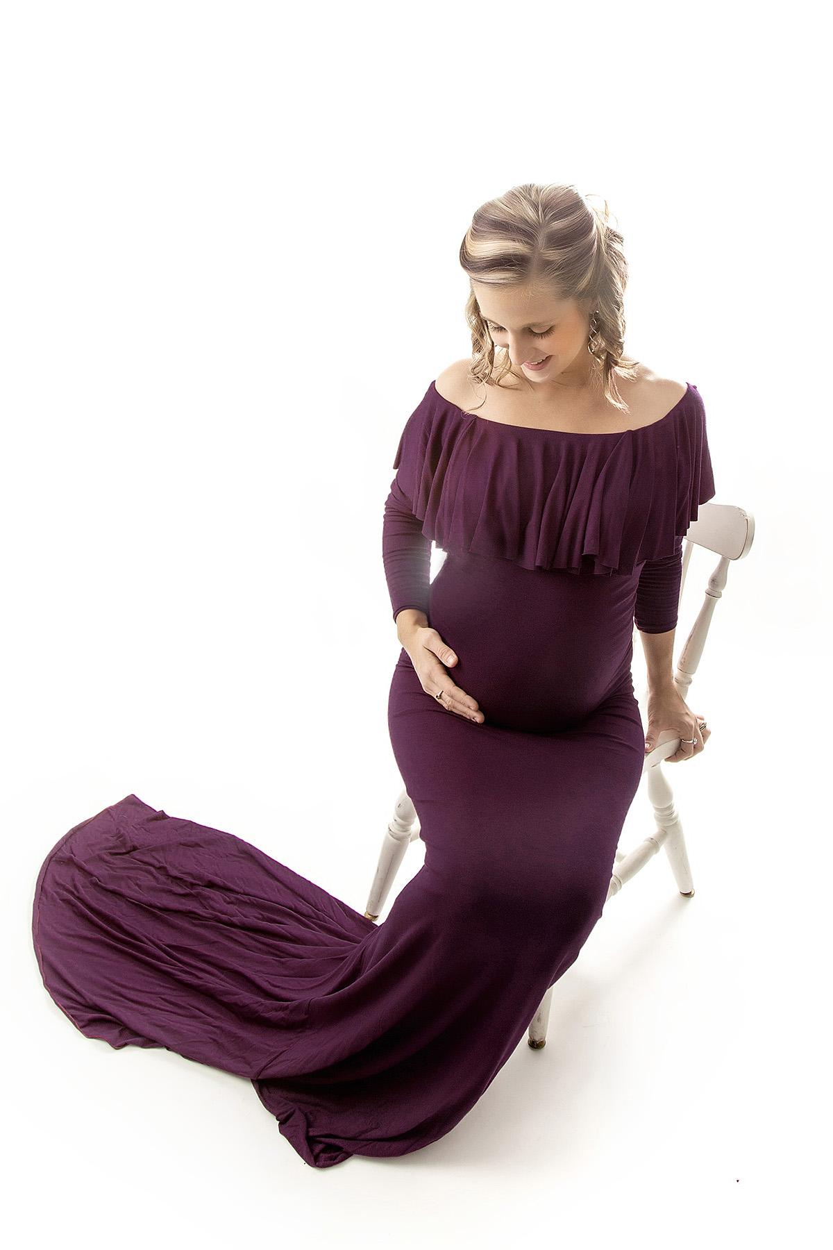 Angie_Englerth_Lancater_Maternity_Photographer_Wardobe_Purple_002.jpg