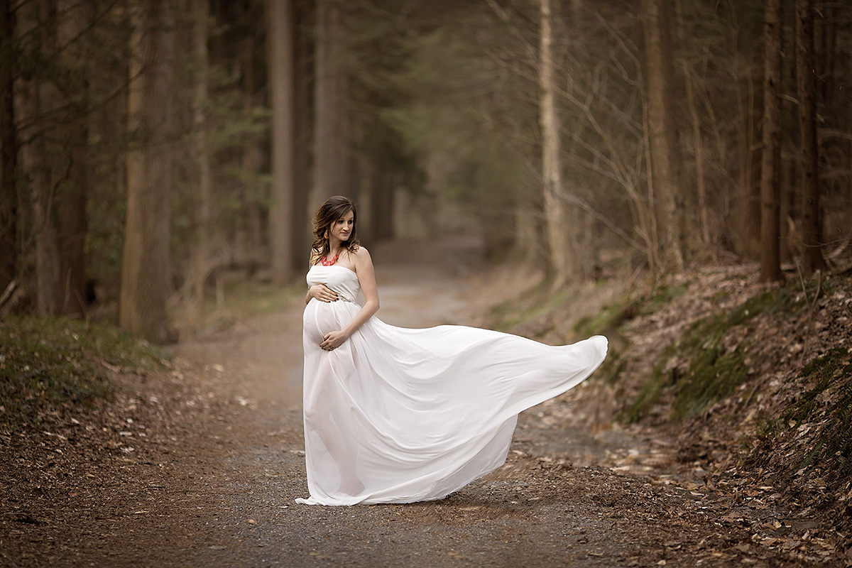 Angie_Englerth_Lancater_Maternity_Photographer_Wardobe_White_007.jpg